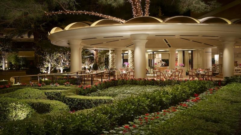 Xs nightclub love and luxury xs nightclub and jardin for Jardin d amour wine